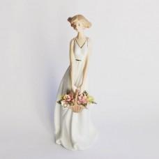 """Статуэтка фарфоровая Н-49-46 """"Девушка в белом платье с корзиной в руках"""""""